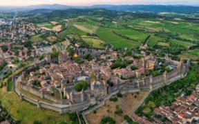 კარკასონი - დღემდე შემონახული შუა საუკუნეების ციხე-ქალაქი (ევროპში უდიდესი)